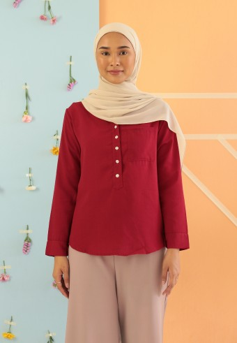 V-NECK BUTTON TOP IN RED