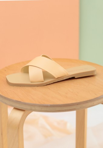 OFIEY SLIDE SANDAL IN APRICOT