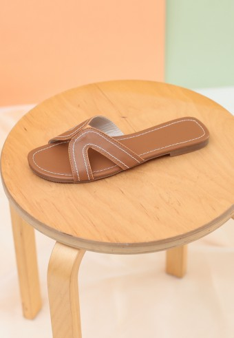 CAMY SLIDE SANDAL IN BROWN