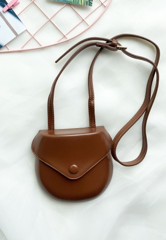 MINI SLING BAG IN BROWN