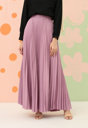 CREPE PLEATED SKIRT IN DUSTY PURPLE
