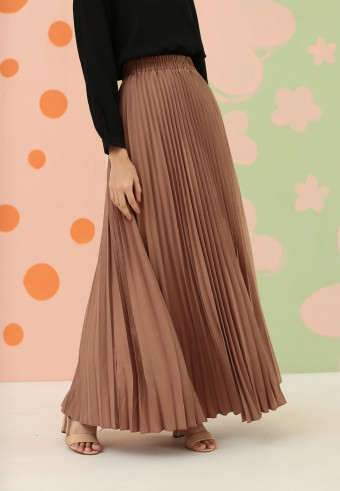CREPE PLEATED SKIRT IN BROWN