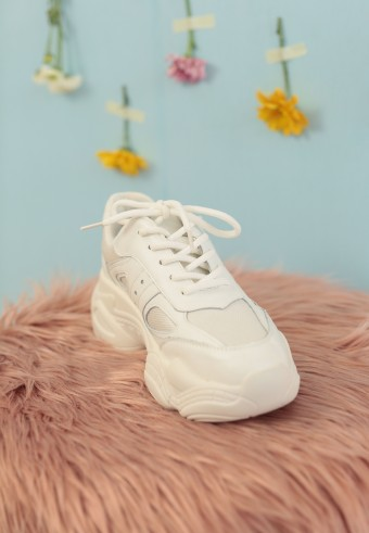 PURE CHUNKY SNEAKERS IN WHITE (FREE SOCKS FOR EARLY BIRDS)