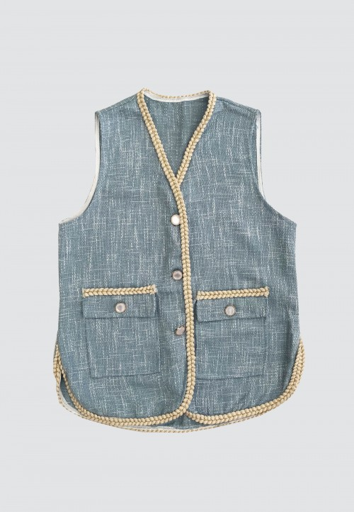SLEEVELESS CARDIGAN IN SOFT BLUE