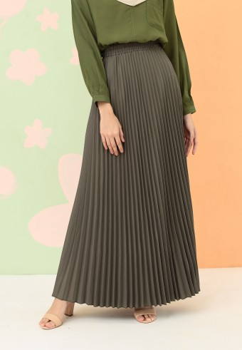 CREPE PLEATED SKIRT IN ASH GREEN