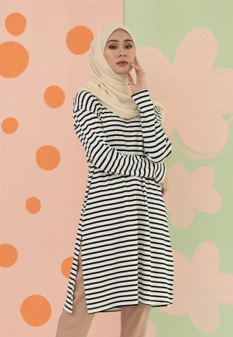 SMALL STRIPES LONG TOP IN BLACK & WHITE