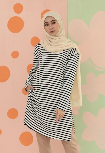 SMALL STRIPES LONG TOP IN  NAVY BLUE & WHITE