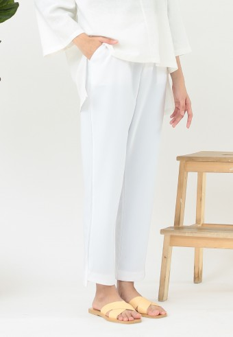 OFFICE TAPERED PANT IN WHITE