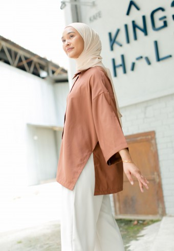 Beccy Blouse in Cinnamon