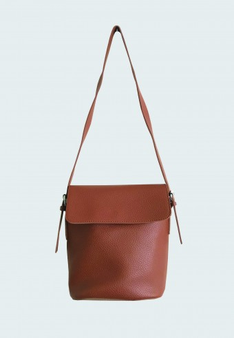 FOLDOVER LEATHER BAG IN BROWN