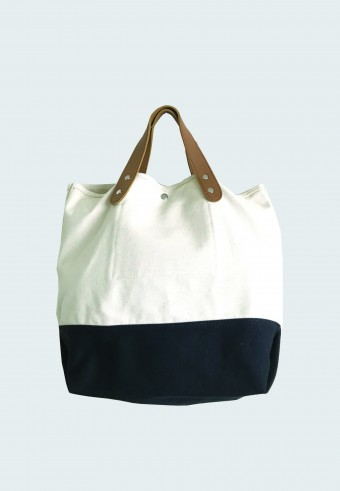 COTTON SLING BAG IN WHITE BLACK
