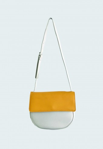 FOLDOVER DUAL COLOR SADDLE BAG IN MUSTARD 13