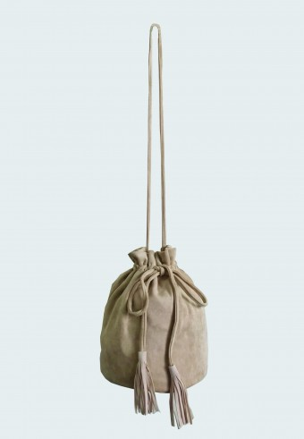 POUCH STRING BAG IN LIGHT BROWN