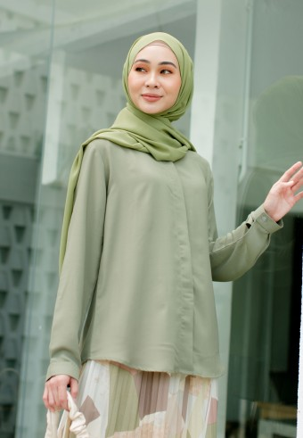 Lesly blouse in Matcha