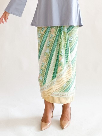 Pareo Ikat in Vintage Green