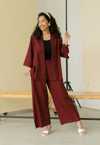 Takaa Set In Maroon