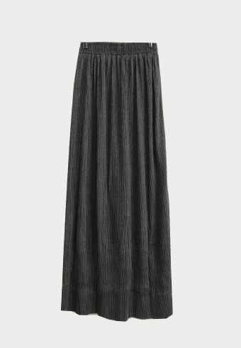 STRECHABLE PLEATED SIDE SLIT SKIRT IN GREY 3
