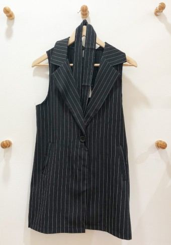 STRIPED VEST WITH DETACHABLE BELT IN BLACK