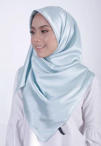 MAYA CHIC SQUARE SHAWL - SKY BLUE