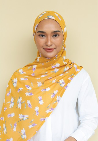 Omaira shawl in custard bloom