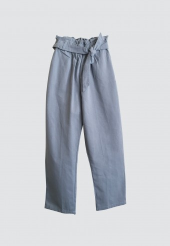 WAIST RUFFLE TAPPERED PANTS IN DUSTY BLUE
