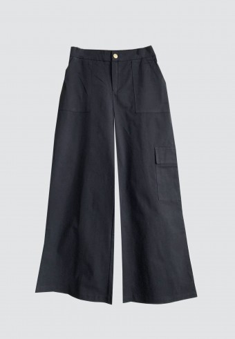 WIDE LEG CARGO PANTS IN BLACK