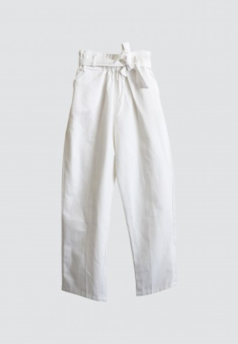 WAIST RUFFLE TAPPERED PANTS IN WHITE