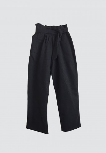 WAIST RUFFLE TAPPERED PANTS IN BLACK