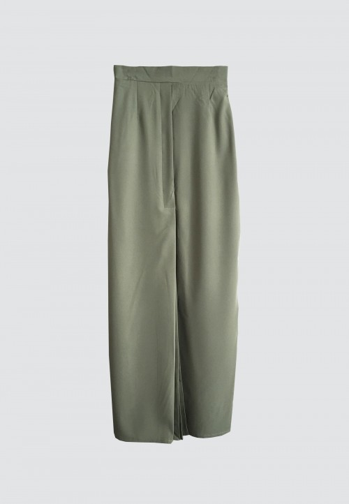 FRONT PLEATED SKIRT IN ARMY GREEN