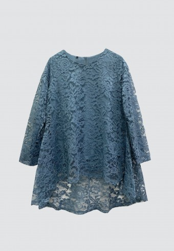 FISHTAIL LACE TOP IN DUSTY BLUE