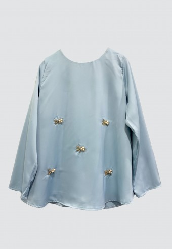 LOOSE BEADS TOP IN SOFT BLUE