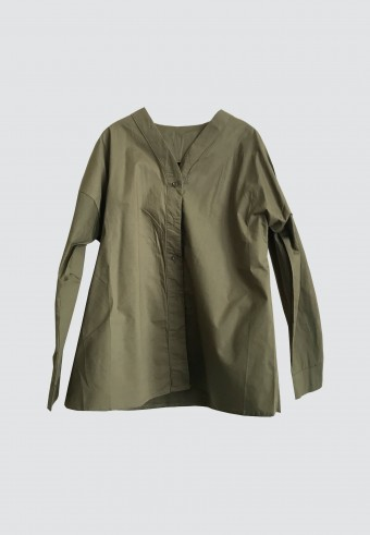 BASIC COTTON BUTTON TOP IN ARMY GREEN 177