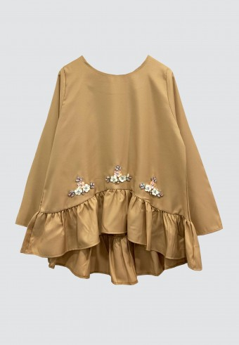 RUFFLE BEADS TOP IN LIGHT BROWN