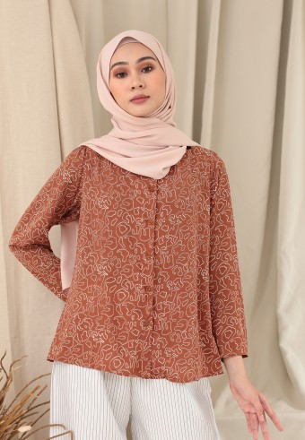 SWEETHEART NECKLINE TOP IN BROWN