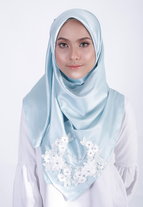 EVA LACE SQUARE SHAWL  - SKY BLUE
