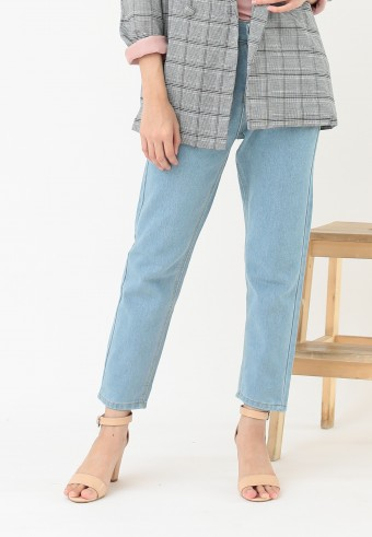 BOYFRIEND JEANS IN LIGHT BLUE